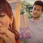 Anitta e Neymar entram em campo pelo McDonald's na Copa